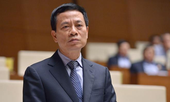 Bo truong Nguyen Manh Hung noi ve viec 'quet rac' tren mang xa hoi hinh anh