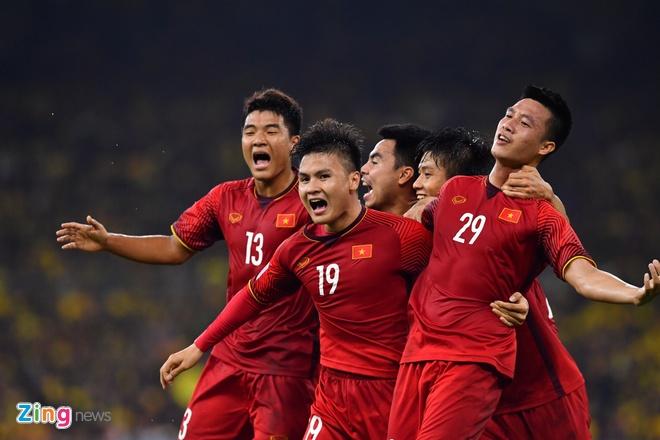 Tuyen Viet Nam se duoc thuong bao nhieu neu vo dich AFF Cup? hinh anh