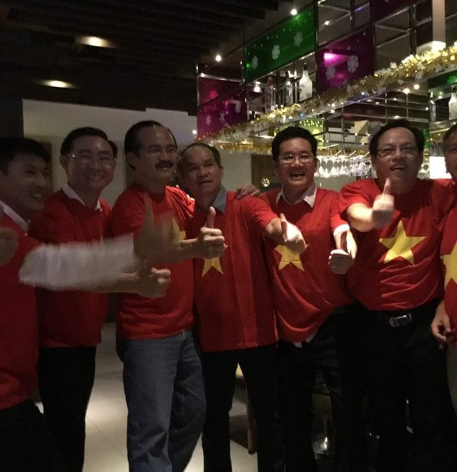 'Mua tien thuong' cho tuyen Viet Nam sau ngoi vo dich AFF Cup hinh anh 2