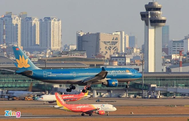 Sân bay Hong Kong 'thất thủ', nhiều chuyến bay từ VN bị hủy