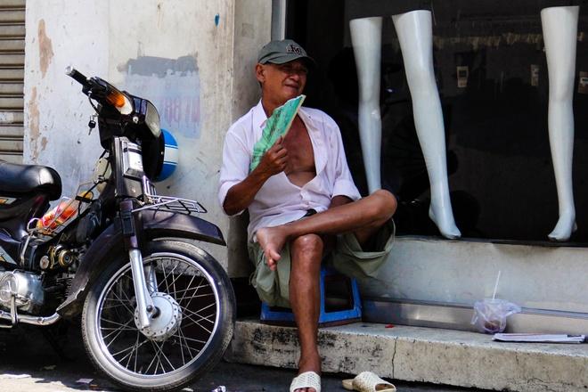 Sai Gon nong 35 do C, canh bao nguy co chay no hinh anh 1