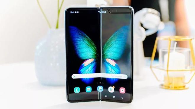 Ngoai Samsung va Huawei, thi truong smartphone man hinh gap con ai? hinh anh 2