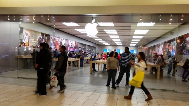 Apple Store ở trung tâm thương mại Valley Plaza Mall, California. Ảnh:Waymarking.