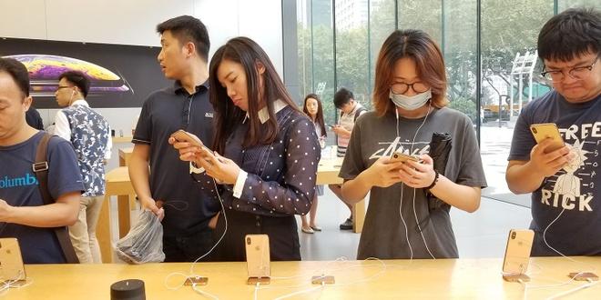 1 trieu don hang mua iPhone bi anh huong nang boi virus corona hinh anh 1 iPhone_in_China.jpg