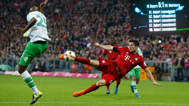 Robert Lewandowski dau tu game anh 1