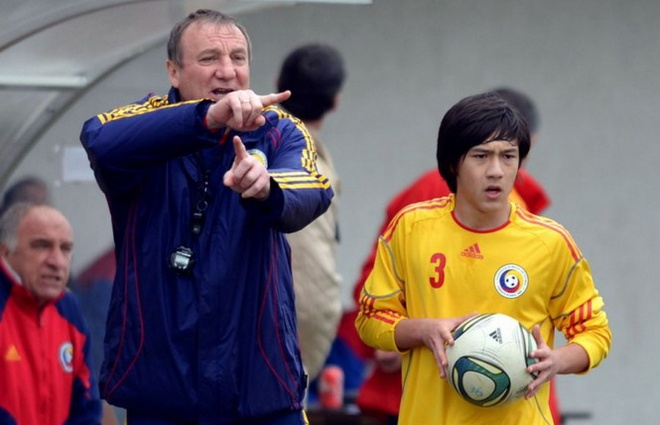 Cau thu goc Viet co co hoi du UEFA Champions League hinh anh