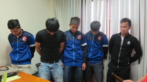 8 an phat nang nhat tai V.League 2014 hinh anh 7 Các cầu thủ Đồng Nai bán độ nhiều khả năng sẽ bị cấm thi đấu vĩnh viễn.