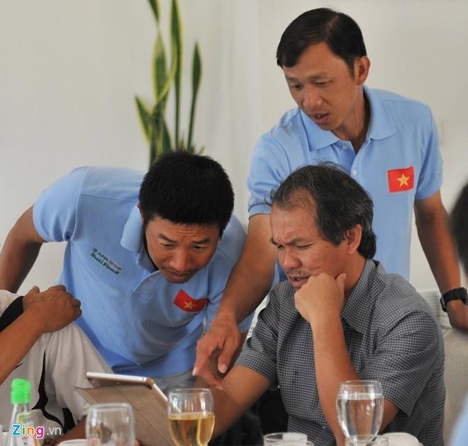 Bo giai U19 Quoc gia, bau Duc doi dien an phat nang hinh anh 1 CLB HAGL của bầu Đức sẽ phải chịu án phạt nặng vì không tham gia giải U19 Quốc gia năm 2015.