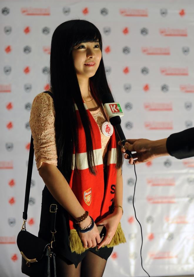 'Crying girl' yeu Arsenal nhung U19 Viet Nam moi la so 1 hinh anh 3