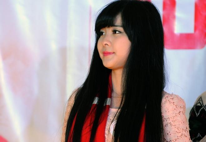'Crying girl' yeu Arsenal nhung U19 Viet Nam moi la so 1 hinh anh