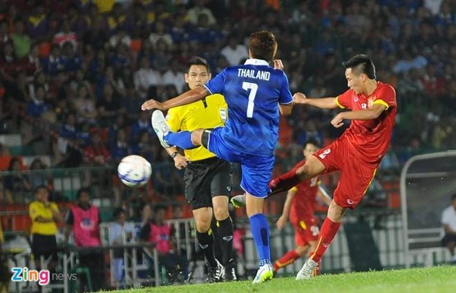 'Dua vao lua Cong Phuong thi kho qua vong loai U23' hinh anh 2