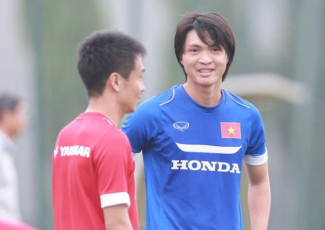 Tuan Anh - cau thu thu 9 cua U23 Viet Nam dinh chan thuong hinh anh