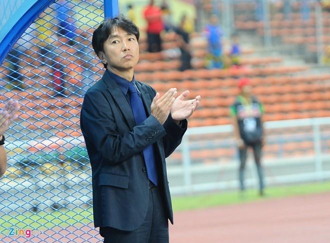 U23 VN - Malaysia: Ong Miura sam vai khac tinh hinh anh