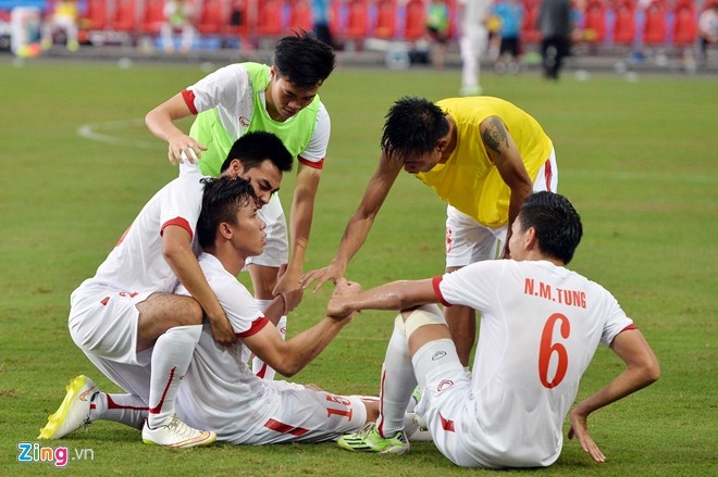 Hình ảnh sụp đổ của U23 Việt Nam sau trận bán kết SEA Games 28.