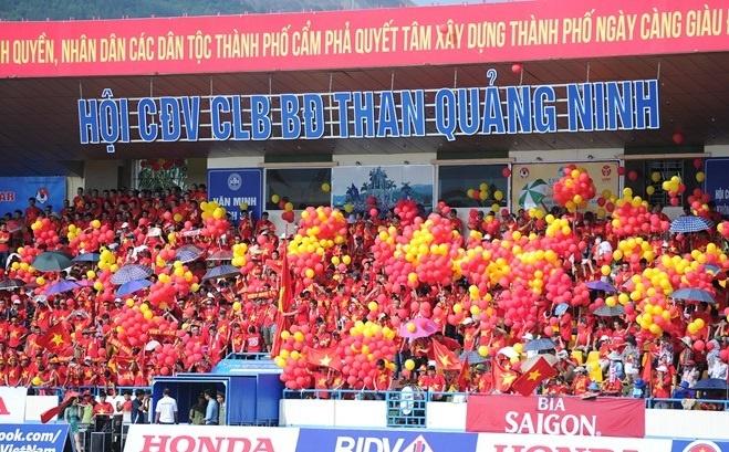 2 CLB Viet Nam vao top 10 Dong Nam A ve suc hut khan gia hinh anh