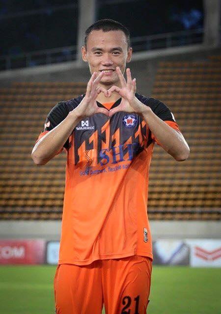 Tien dao Viet Nam lap them cu dup, ghi 14 ban o Lao League hinh anh 1 Xuân Nam tiếp tục thể hiện phong độ làm bán ấn tượng tại Lao League.