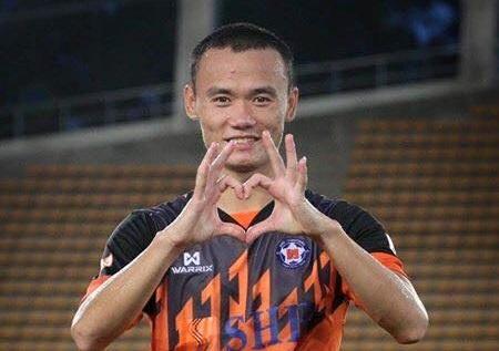 Tien dao Viet Nam lap them cu dup, ghi 14 ban o Lao League hinh anh