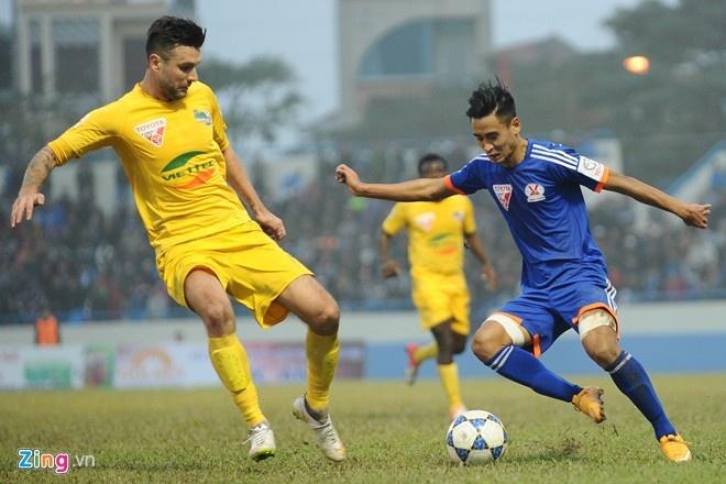 To am hanh phuc cua trung ve Ha Lan va DJ Myno hinh anh 1 Danny van Bakel xuất hiện tại V.League năm 2011