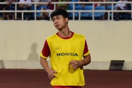 Ca si Tuan Hung phan doi HLV Miura vi loai Cong Phuong hinh anh