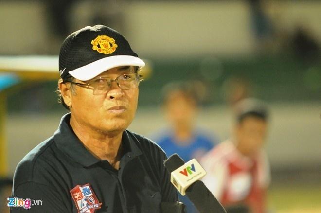 5 an tuong lon nhat ve V.League 2015 hinh anh 5 HLV Trần Bình Sự nghi ngờ kết quả của một số trận đấu tại V.League 2015. Năm ngoái đội bóng của ông