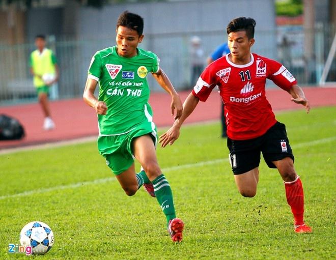 5 an tuong lon nhat ve V.League 2015 hinh anh 4 Văn Thắng (trái) có mùa giải ấn tượng trong màu áo Cần Thơ. Ảnh: Nguyễn Quang