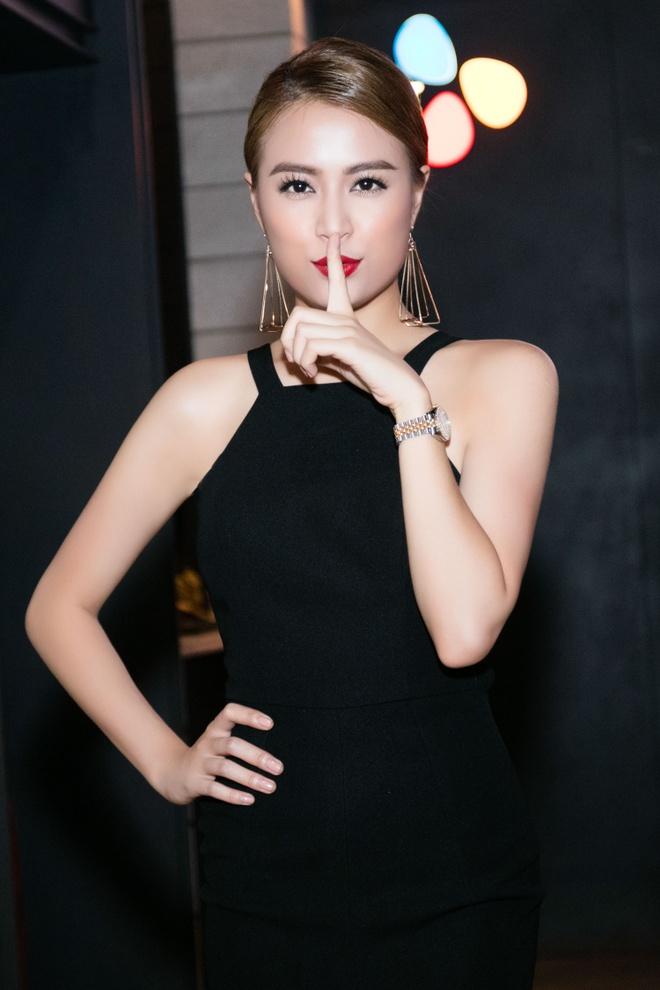Hoang Thuy Linh het loi khen dien xuat cua Minh Hang hinh anh 2