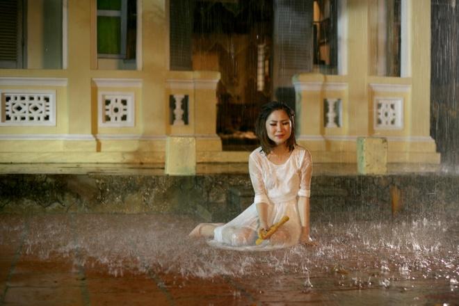 Quang Ha goi dau cho Huong Tram luc 3h sang trong MV moi hinh anh 2