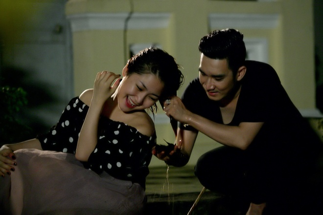 Quang Ha goi dau cho Huong Tram luc 3h sang trong MV moi hinh anh 1