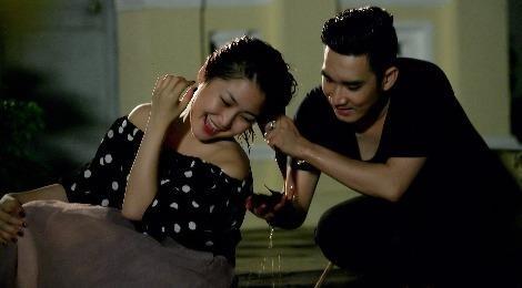 Quang Ha goi dau cho Huong Tram luc 3h sang trong MV moi hinh anh