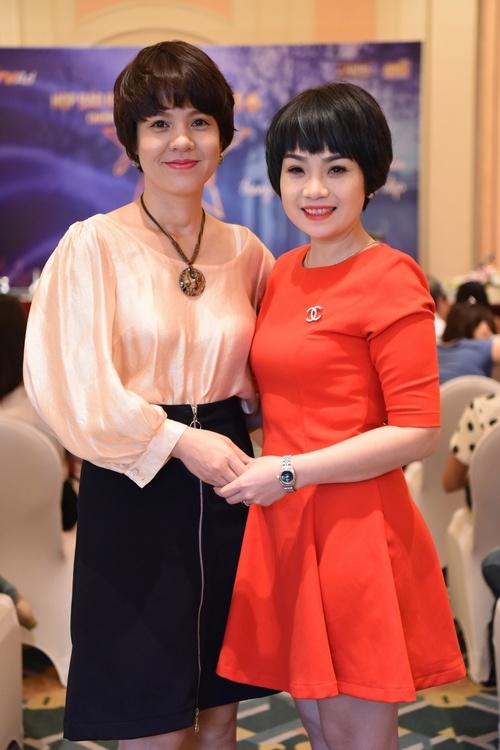 Ngoc Khue: 'Ban trai kem tuoi rat yeu con toi' hinh anh 2