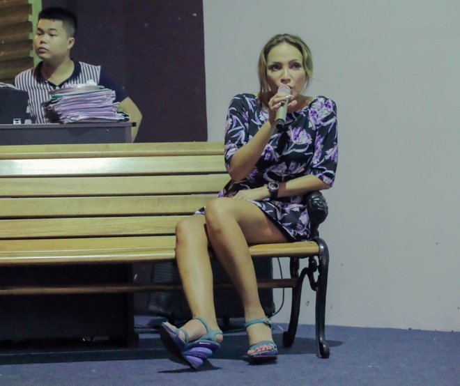 Thanh Ha phan khich khi duoc Bang Kieu dem dan guitar hinh anh 3