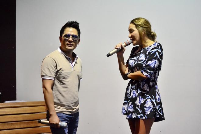 Thanh Ha phan khich khi duoc Bang Kieu dem dan guitar hinh anh 1