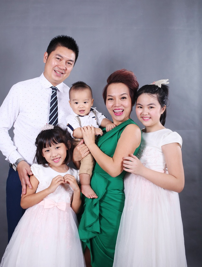 Thai Thuy Linh khoe 'con anh con em con chung ta' hinh anh 2