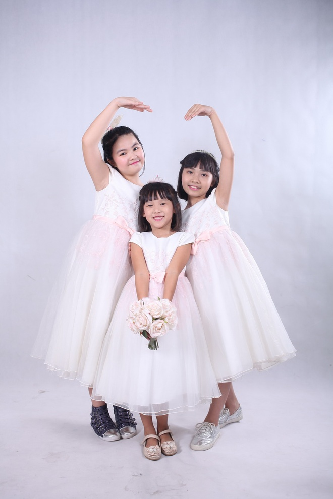Thai Thuy Linh khoe 'con anh con em con chung ta' hinh anh 5