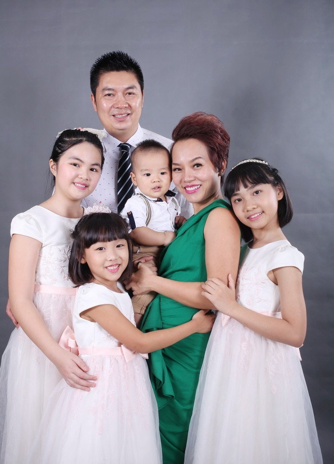 Thai Thuy Linh khoe 'con anh con em con chung ta' hinh anh 6