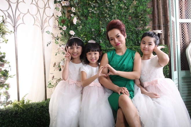 Thai Thuy Linh khoe 'con anh con em con chung ta' hinh anh 1