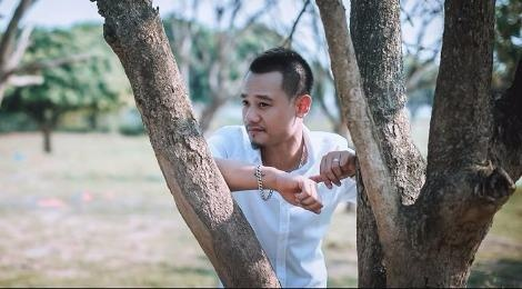 Nguyen Duc Cuong sang tac ve cuoc song doc than vui ve hinh anh