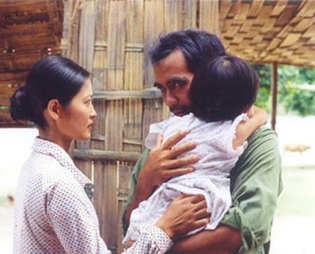 Thuy Ha ke chuyen quay canh nong trong 'Ben khong chong' hinh anh 3