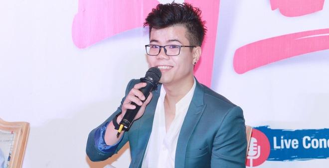 Dinh Manh Ninh hoi hop thu nghiem du an live streaming hinh anh