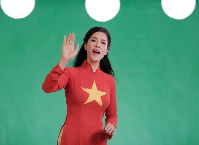Bi Beo cung bo Xuan Bac thu am MV ve chu quyen bien dao hinh anh 3