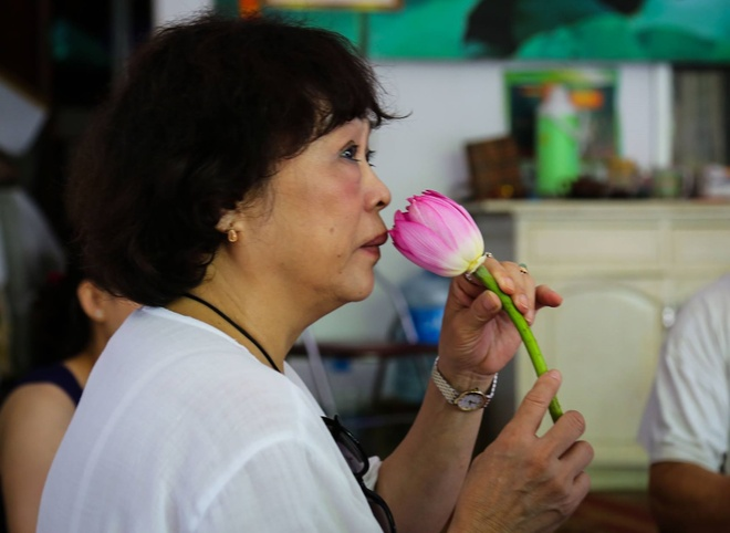 Tho Nguyen Thi Minh Thai: Noi va tach, manh me va yeu mem hinh anh 2