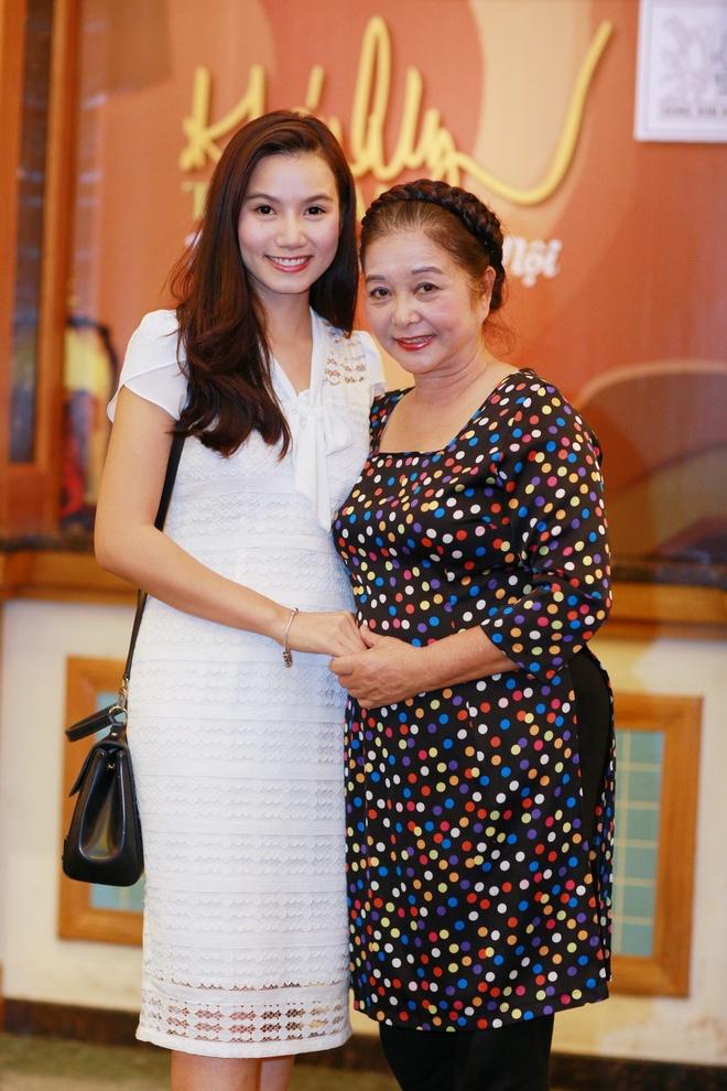 Luong Giang dan chuyen cho Khanh Ly anh 2