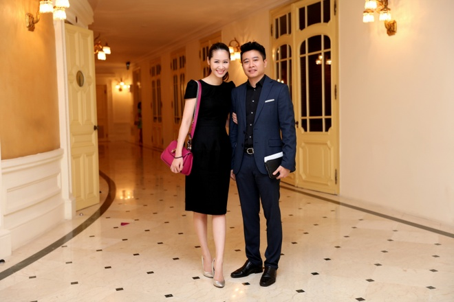 Vo chong Duong Thuy Linh co vu em trai bieu dien piano hinh anh 6