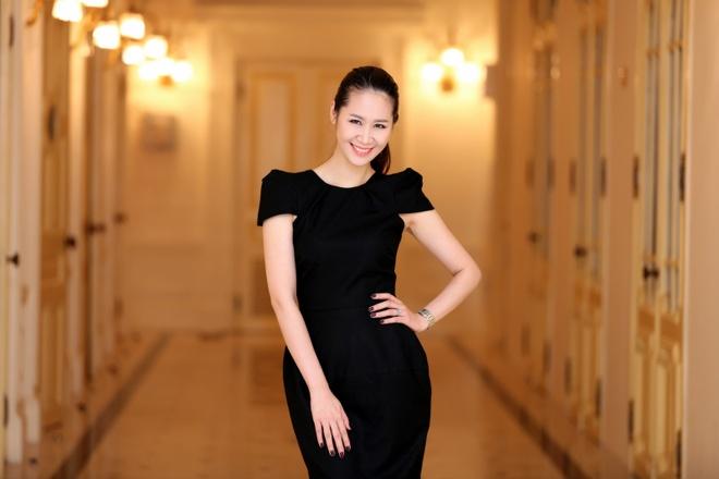 Vo chong Duong Thuy Linh co vu em trai bieu dien piano hinh anh 7