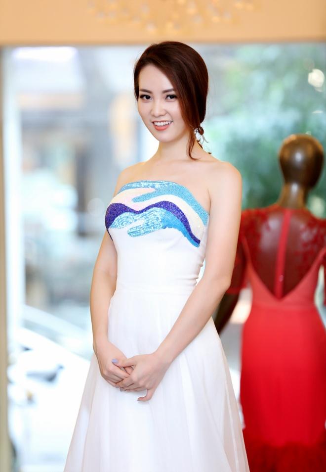 Thuy Van thu vay lam MC chung ket Hoa hau Viet Nam hinh anh 4