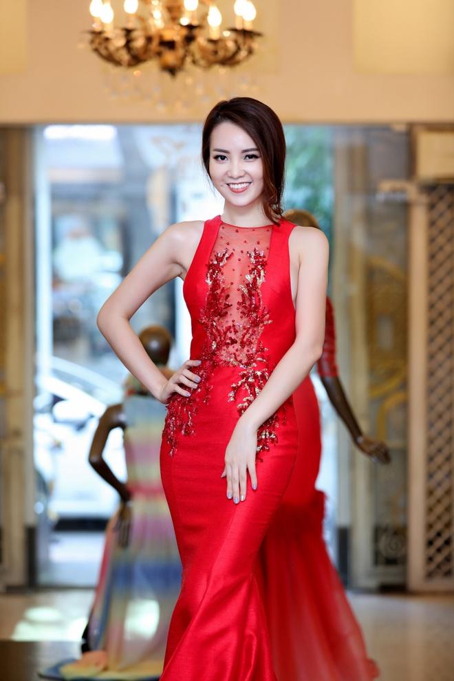 Thuy Van thu vay lam MC chung ket Hoa hau Viet Nam hinh anh 6