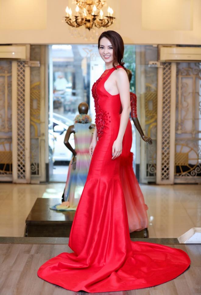 Thuy Van thu vay lam MC chung ket Hoa hau Viet Nam hinh anh 5