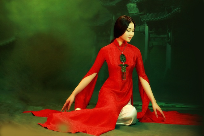 NTK Lan Huong gioi thieu ao dai Viet tai Trung Quoc hinh anh