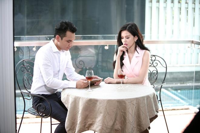 Vu Duy Khanh dong giang ho 'cuop' hon the cua Khac Viet hinh anh 1