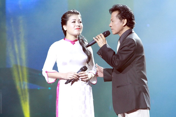 Che Linh moi Hoai Lam tham gia live show rieng hinh anh 1
